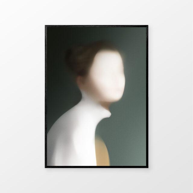 Portrait_U_Svart_Mockup